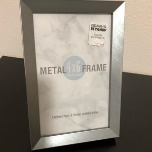 Other - Metal 4x6 picture frame